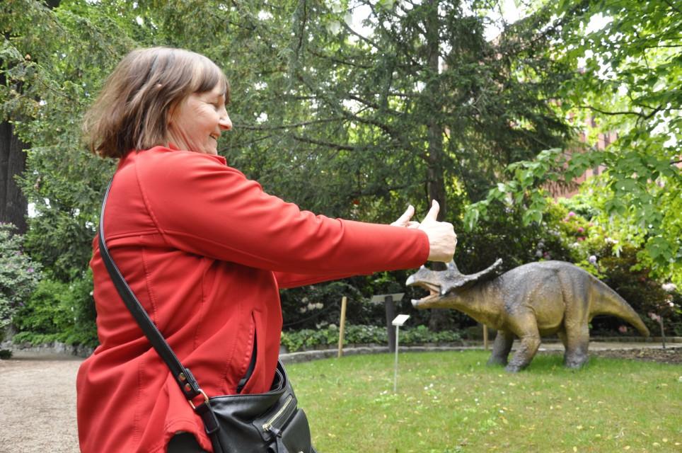 seniorzy i dinozaury1 - Seniorzy i dinozaury