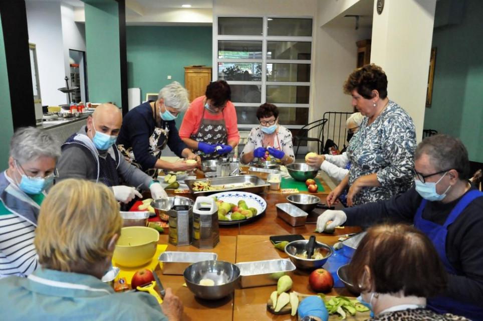 Seniorzy gotuja2 - Seniorzy gotują